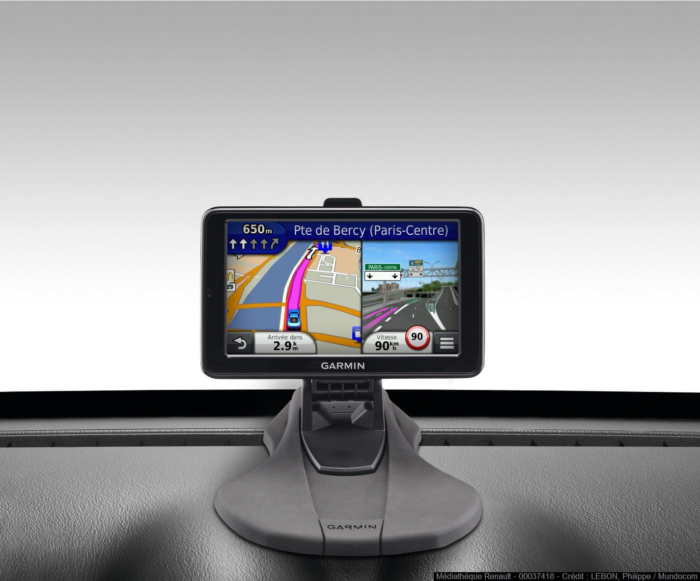 s rie limit e garmin pour dacia duster gps carminat. Black Bedroom Furniture Sets. Home Design Ideas